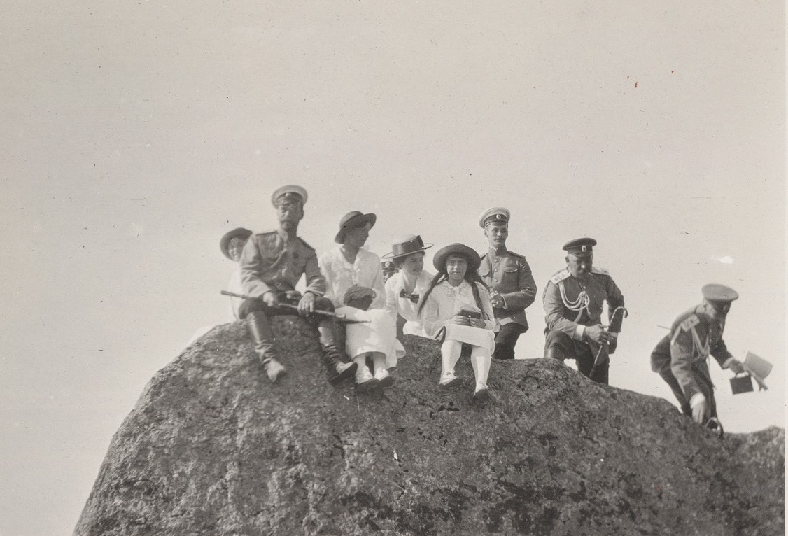 Nicholas II with his family in Crimea. Photo from the Romanov family album